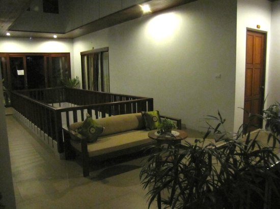 Amarina Residence: Hall way first floor.