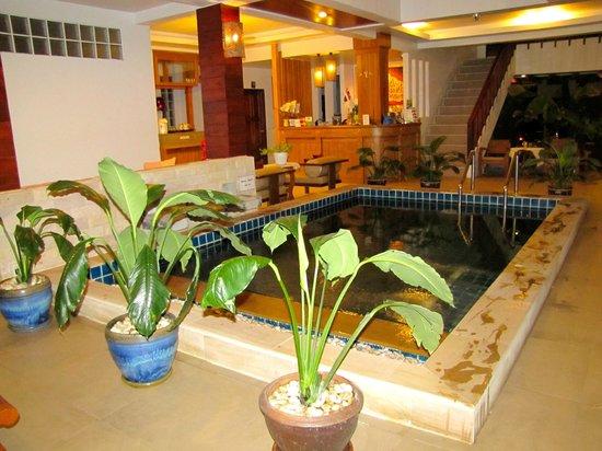 Amarina Residence: Inside pool.