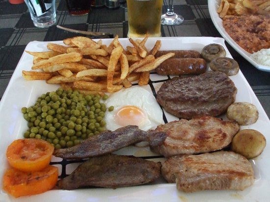 7 Palms Restaurant and Bar: wot a mixed grill