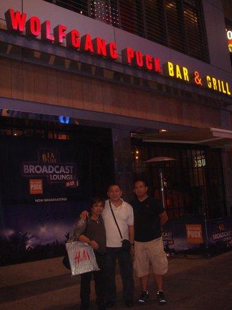 Wolfgang Puck Bar & Grill - LA Live : main entrance