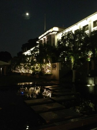 Hotel Fort Canning: At night
