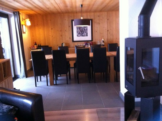 More Mountain - The Loft: dining area