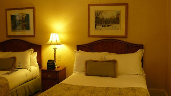 Lenox Hotel: Cama