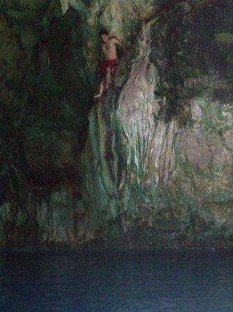 Cenotes: Escalando en el cenote