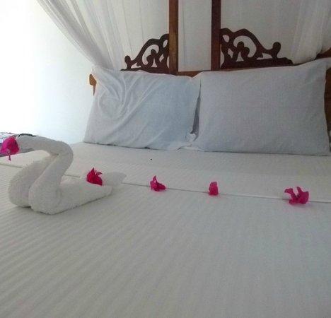 Nuru Beach Resort : How the bed look like