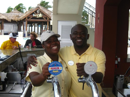 Sandals Emerald Bay Golf, Tennis and Spa Resort: the 2 best bartenders
