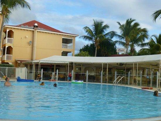 Le Flamboyant Hotel and Resort: Bar resto