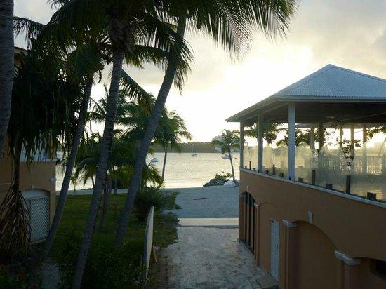 Le Flamboyant Hotel and Resort: Du lobby au lagon