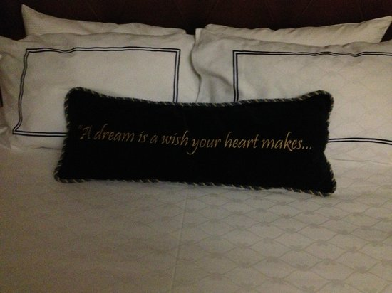 """Disneyland Hotel: Pillows--the other bed says """"When You're Fast Asleep."""""""