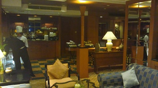 InterContinental Phnom Penh: Exec Club Lounge
