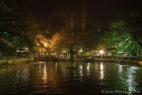 Sanliurfa, Turkey: Balıklı Göl-Gece