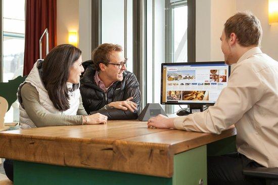 Hotel Oberstdorf: An der Rezeption