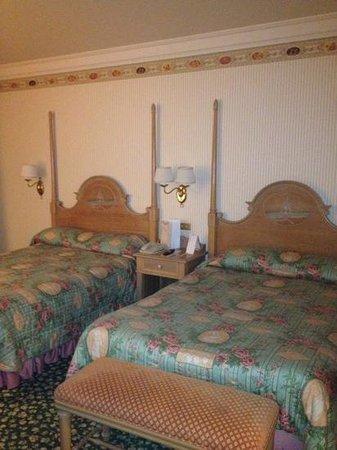 Disneyland Hotel: les lits tres propres