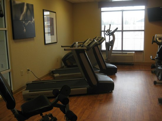 Country Inn & Suites by Radisson, Petersburg, VA: fitness center