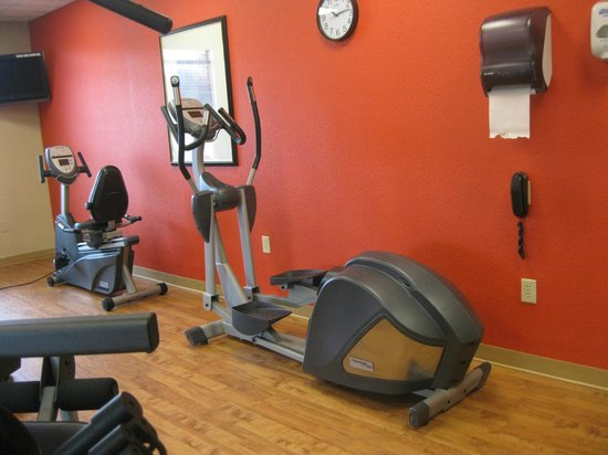 Country Inn & Suites By Carlson, Petersburg : fitness center