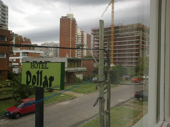 Hotel Dollar: vista do quarto 102