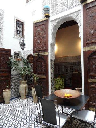Riad Boujloud: La cour intérieure