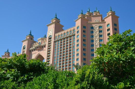 Atlantis, The Palm: View from the beach