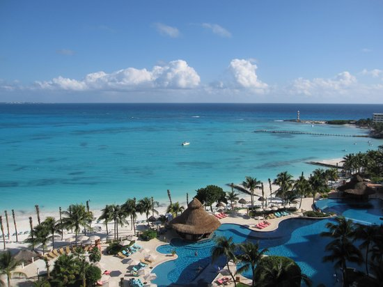 Grand Fiesta Americana Coral Beach Cancun: View from balcony from 9th floor west wing