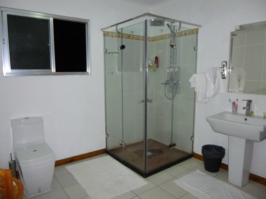 Albizia Lodge Green Estate : ванная