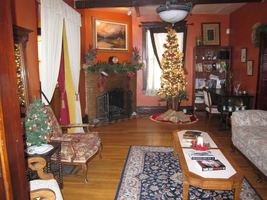 Downtown Historic Bed & Breakfasts of Albuquerque: Spy House Common Room