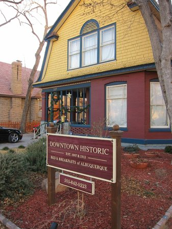 Downtown Historic Bed & Breakfasts of Albuquerque: Heritage House Exterior