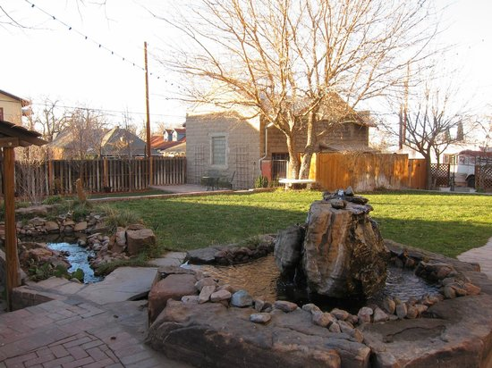 Downtown Historic Bed & Breakfasts of Albuquerque: Backyard Area