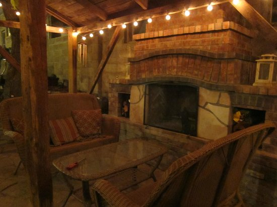 Downtown Historic Bed & Breakfasts of Albuquerque: Outside Sitting Area