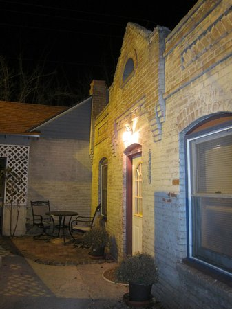 Downtown Historic Bed & Breakfasts of Albuquerque : Cabinet House one more time