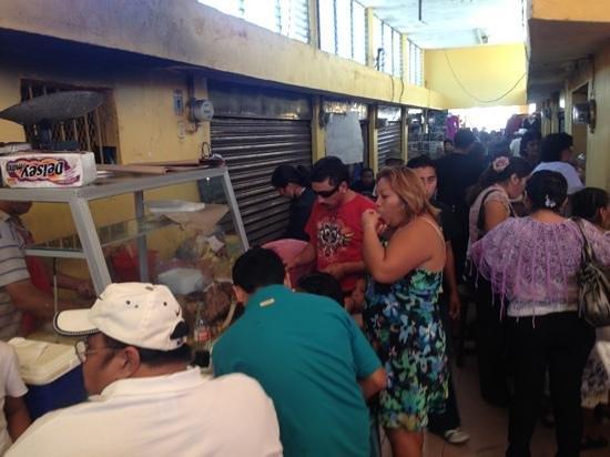 Big Mercado : Mercado de Izamal, tacos de cochinita, venado, carnitas