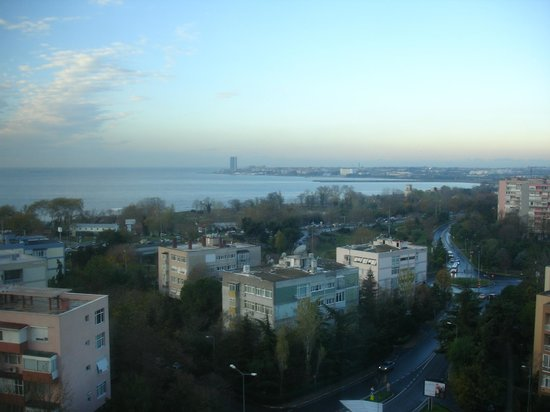Ramada Hotel and Suites Istanbul Atakoy: The sea of marmara