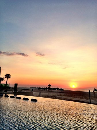 The Grand Mayan Los Cabos: Watch the sunrise