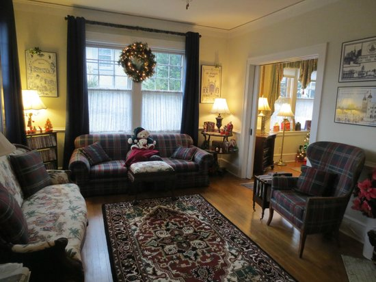 Abbington Green Bed and Breakfast Inn : Sitting Room