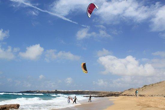 Lagunas y Playa de El Cotillo: Kite surfer