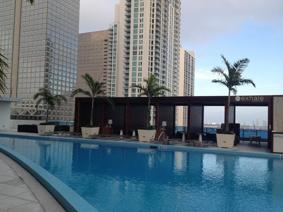 Kimpton EPIC Hotel: 16th floor pool deck
