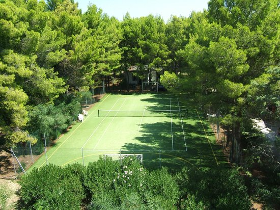 Hotel Portonuovo: campo da tennis