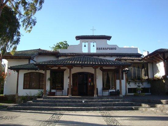 Hacienda Abraspungo: the front lobby