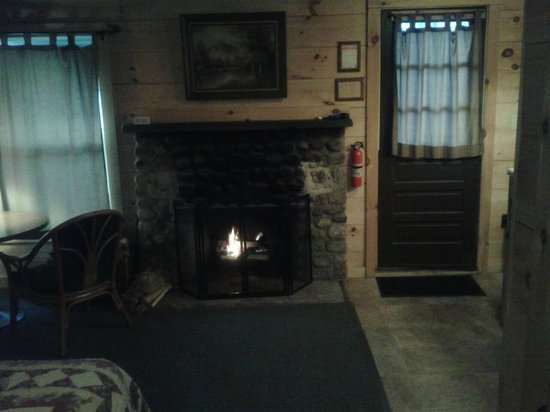 Pemi Cabins: our romantic fire