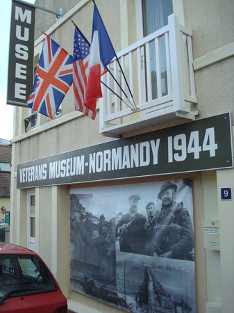 ‪Liberators Museum - Normandy 1944‬