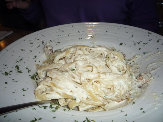 Little Italy: chicken & creamy sauce fettucini?