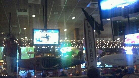 Baumhower's of Montgomery : Looking towards the Bar area
