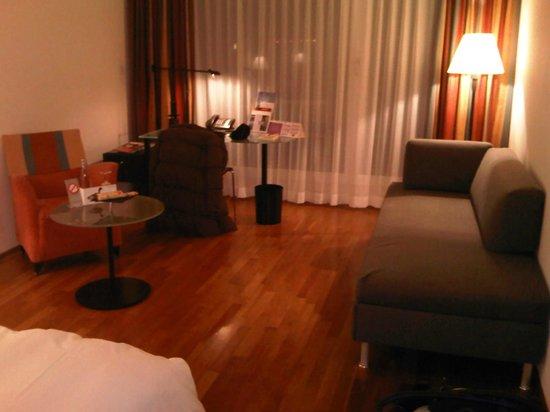 Seedamm Plaza: Room 3