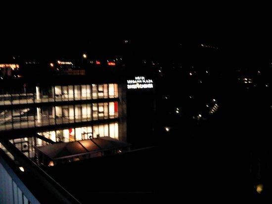 Seedamm Plaza: View Night