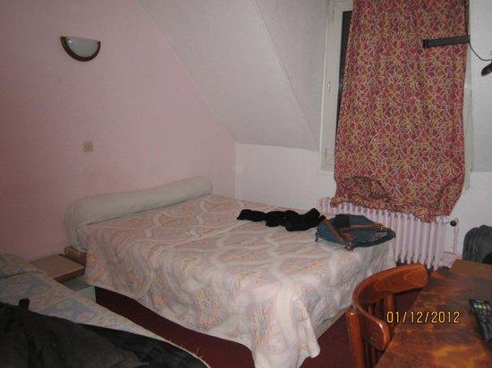 Luna Park Hotel: la nostra camera matrimoniale... con un terzo letto singolo!