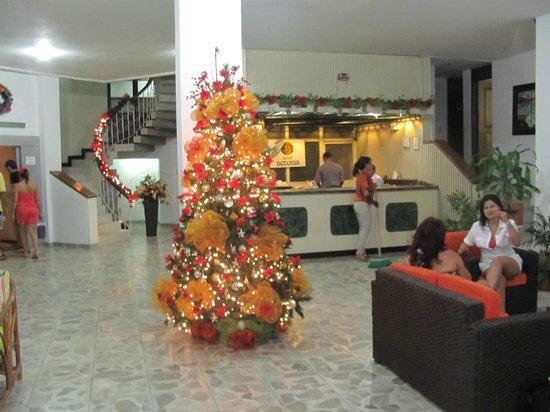 Hotel Betoma: Lobby at Christmas time