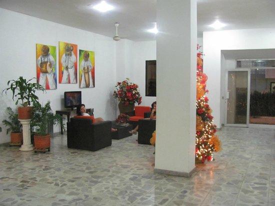 Hotel Betoma: Common TV lounge