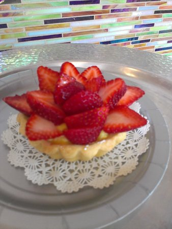 Coffee & A Specialty Bakery: Strawberry Tart