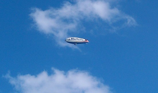 Z Ocean Hotel South Beach : I heard it first, then looked up from the beach to see the Met Life blimp