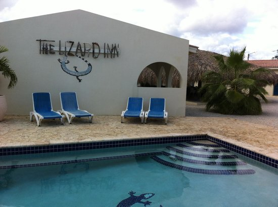 The Lizard Inn: View from the pool