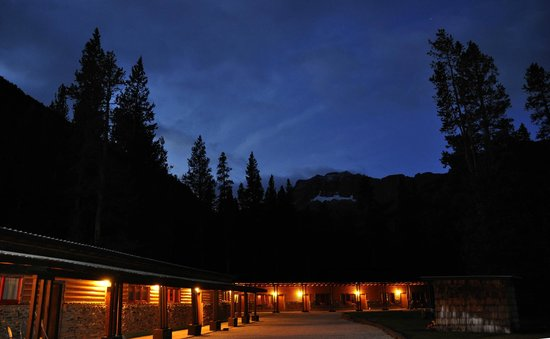 Grizzly Lodge : Early morning September 2012. Just before we left for Yellowstone.